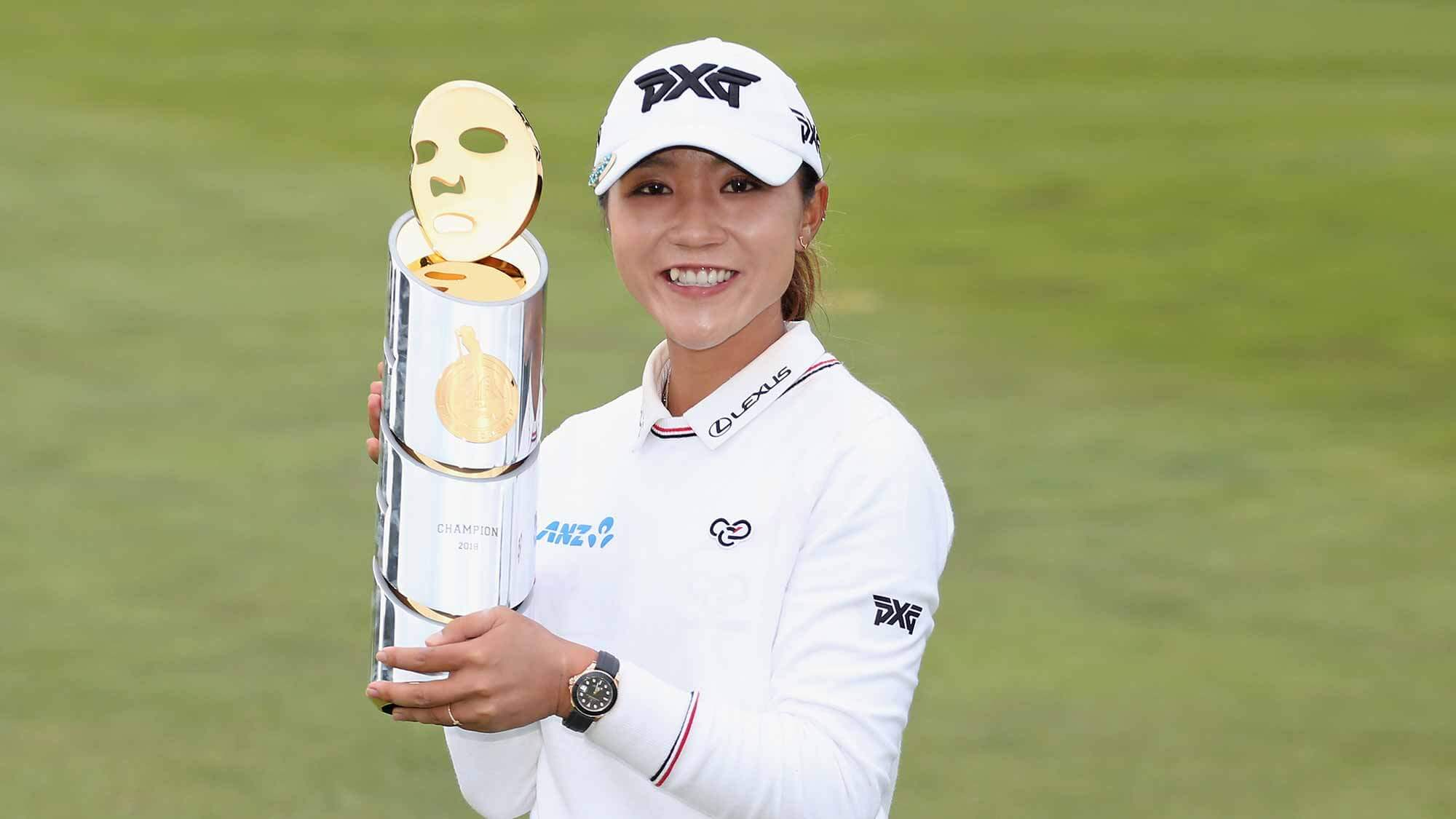 Lydia Ko back to winning ways, gambler collects huge paycheck
